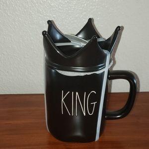 Rae Dunn King Mug With Topper